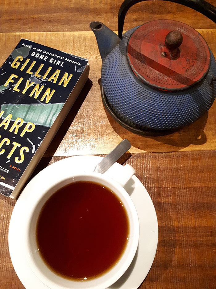 Sharp Objects, Gillian Flynn - Inspiración Volátil Blog